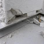 Mörtelfuge statt Trennfuge zwischen Fensterbank-Bordprofil und Dämmung