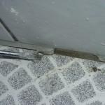 Bodenfuge Fliesenbelag starr ausgefugt, oberseitig Dichtstoff aufgetragen
