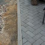 Terrassenpflasterung, Randausbildung falsch eingepasst und schiefe Schnitte