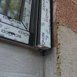 Terrassentür, Abdichtung gegen Bodenfeuchte endet unterhalb der Rollladenführungsschiene