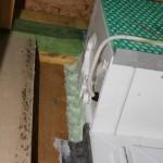 Luftdichte Fensterabklebung endet am Rollladenkasten
