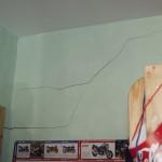 Trennrisse im Mauerwerk infolge Deckendurchbiegung