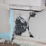 Sockelausbildung unter einer Terrassentür, hin und wieder könnte man verzweifeln