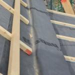 falsche Ebene der Unterspannbahn bei hoch angeordneter Rinne Sackbildung vor der Traufe